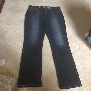 Levi's Totally Shaping Slim Straight 14 Long